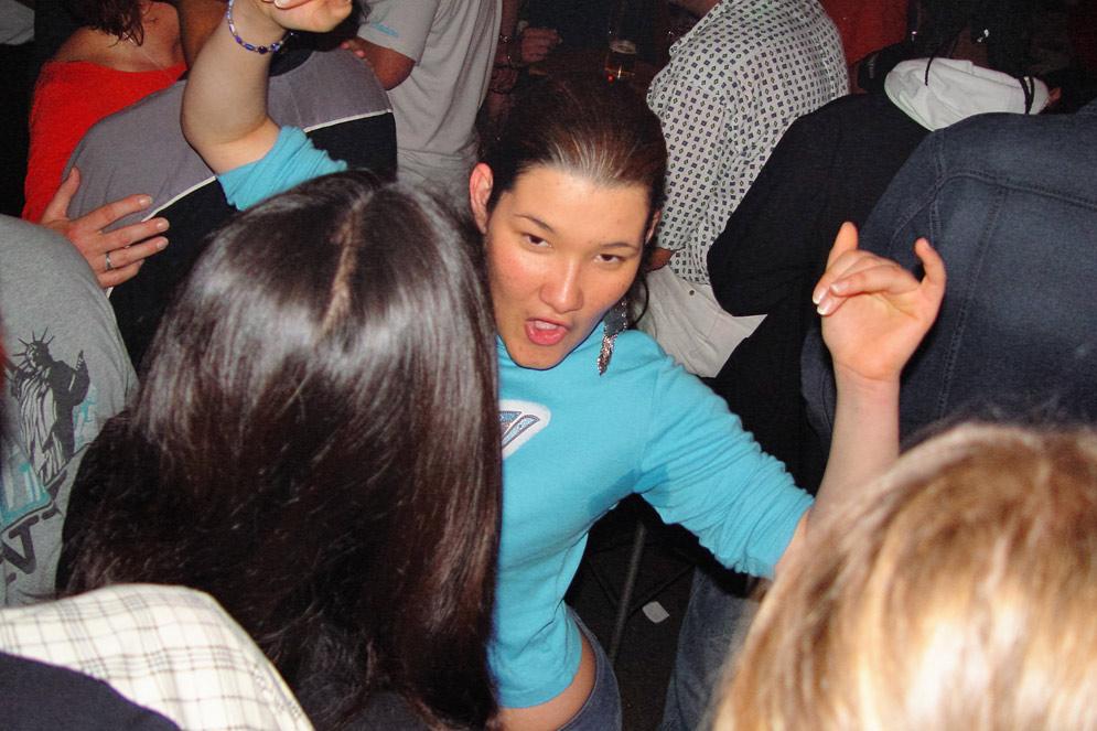 CulturCafé Smaragd Linz - Musikkeller - Tanzen jeden Freitag und Samstag