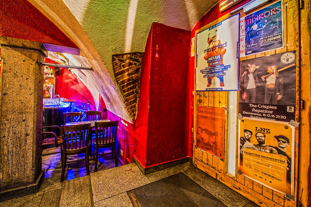 CulturCafé Smaragd Linz - Nachtcafé - Seiteneingang