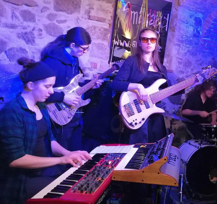 CC Smaragd-Ciara_Moser-Sessionband-2.3